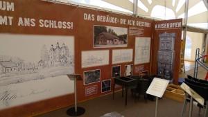 Auf großflächigen Bannern werden die Besucher über die Geschichte der Holter Eisenhütte und die weitere industrielle Entwicklung unserer Stadt informiert.