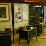 Ausstellung links